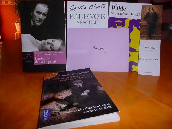 http://petitelunesbooks.cowblog.fr/images/Autresimages/CadeauxbyMatildaI.jpg