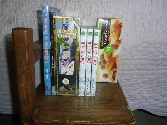 http://petitelunesbooks.cowblog.fr/images/Autresimages/CadeauxbyRaS.jpg